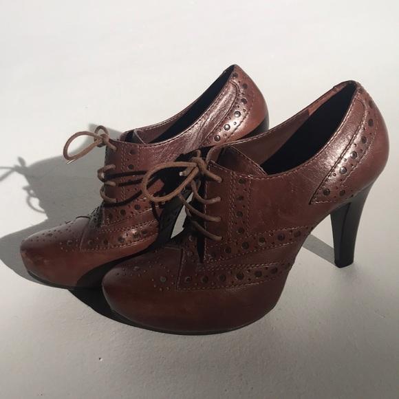 c858c70294 Gianni Bini Shoes - Gianni Bini Brown Lace Up Oxford Heels